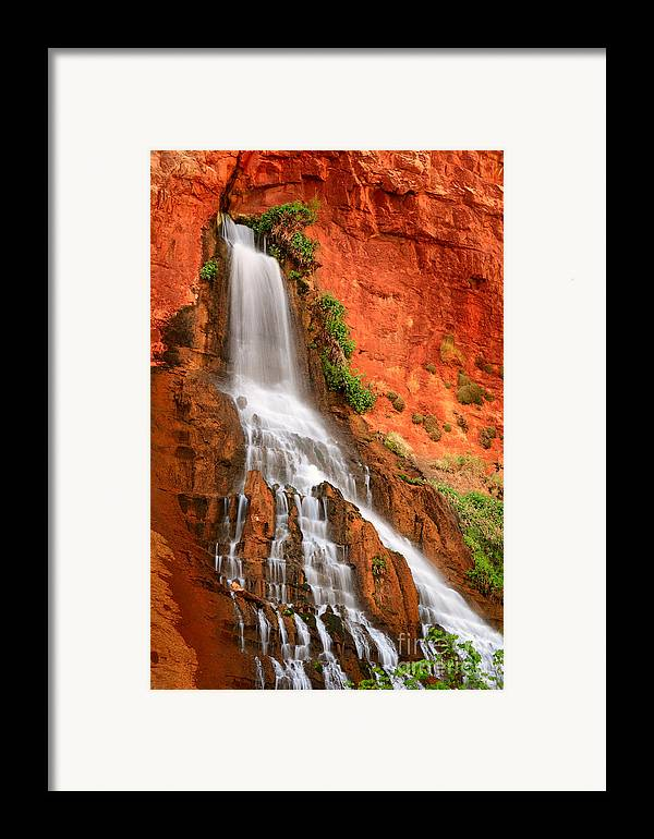 America Framed Print featuring the photograph Vaseys Paradise by Inge Johnsson