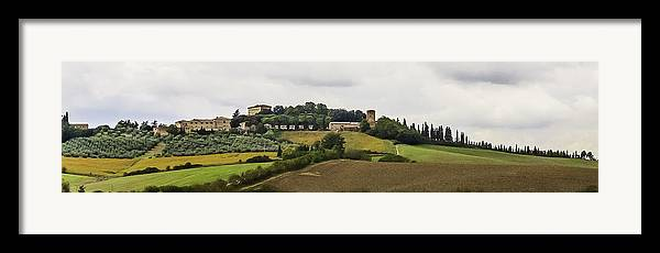 2005 Framed Print featuring the photograph Ville Di Corsano Near Siena - Tuscany Italy by Karen Stephenson