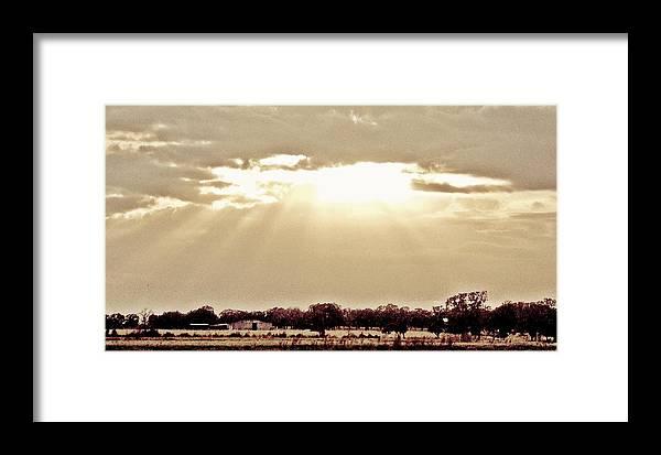 Landscape Framed Print featuring the photograph Vintage Sunshine by Glenda Graham
