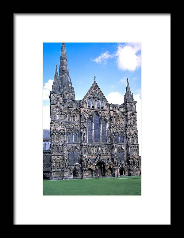 Gothic Framed Print featuring the photograph Wells Cathedral In England by Carl Purcell
