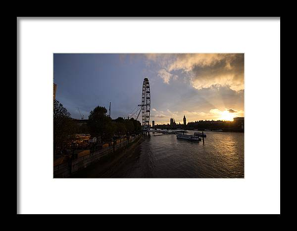 Westminster Framed Print featuring the photograph Westminster Sunset by Dawn OConnor