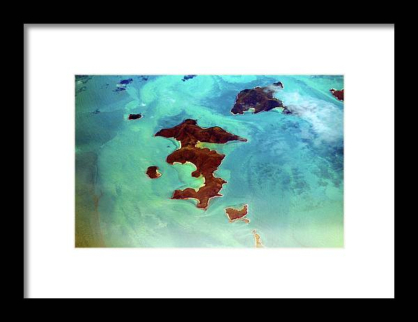 Scenics Framed Print featuring the photograph Whitsunday Islands by Photography By Mangiwau