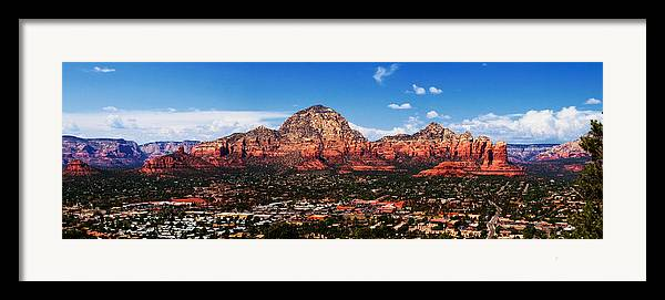 Red Rock Framed Print featuring the photograph Sedona Red Rock by Lisa Spencer