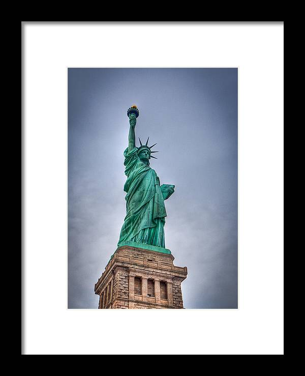 Landscape Framed Print featuring the photograph Staute Of Liberty by Jiayin Ma