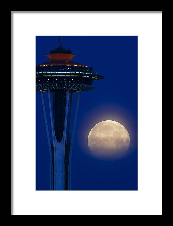 Framed Print featuring the photograph Super Moon 2012 by Yoshiki Nakamura