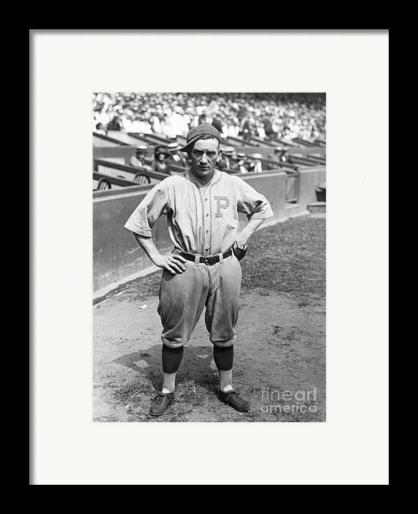 1923 Framed Print featuring the photograph Walter Rabbit Maranville by Granger