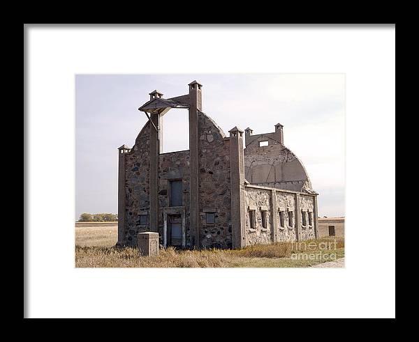 Barn Framed Print featuring the photograph Schott Stone Barn by Lori Tordsen