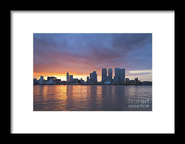 Britain Framed Print featuring the photograph Canary Wharf In London by Roberto Morgenthaler