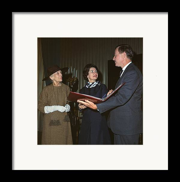 History Framed Print featuring the photograph Alice Roosevelt Longworth Returns by Everett