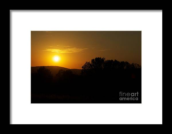 Sunset Framed Print featuring the photograph An Alexandria Sunset by Tom Luca