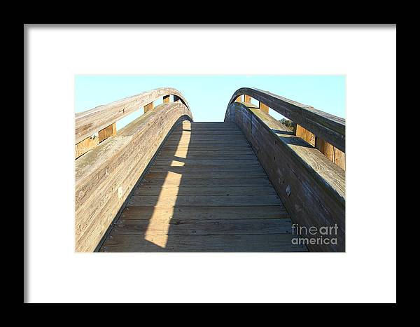 Framed Print featuring the photograph Arched Pedestrian Bridge At Martinez Regional Shoreline Park In Martinez California . 7d10526 by Wingsdomain Art and Photography