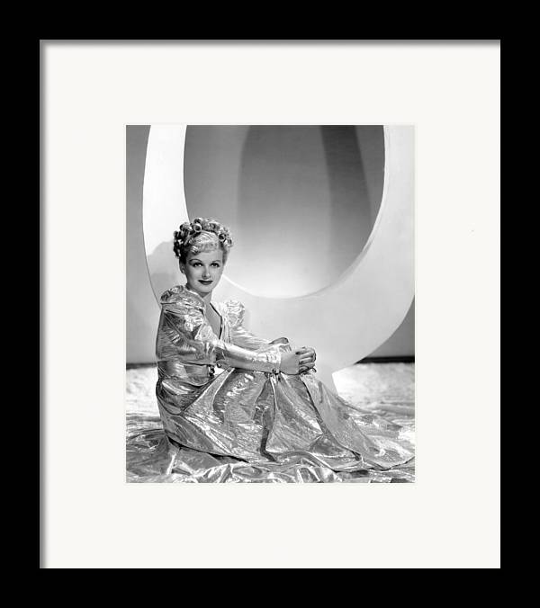 1930s Fashion Framed Print featuring the photograph Artists And Models Abroad, Joan Bennett by Everett