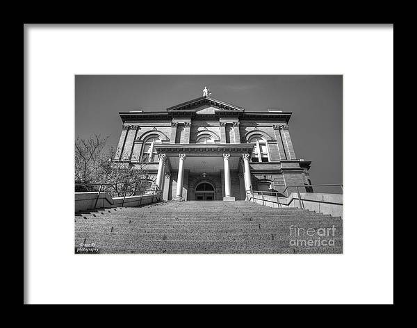 Building Framed Print featuring the photograph Auburn Courthouse by Diego Re