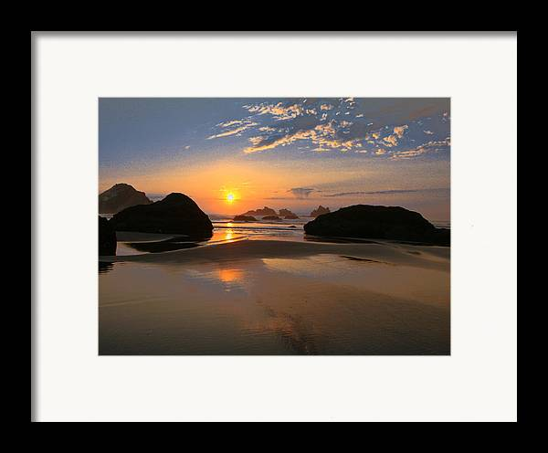 Scenic Framed Print featuring the photograph Bandon Scenic by Jean Noren