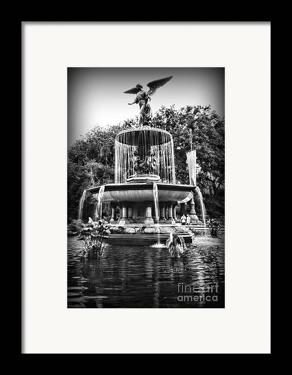 Bethesda Fountain Framed Print featuring the photograph Bethesda Fountain by Paul Ward
