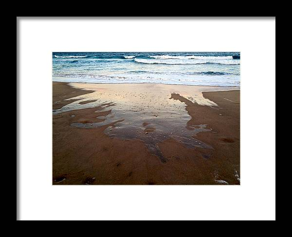 Beach Framed Print featuring the photograph Bubble Capture by Nicola La Vie