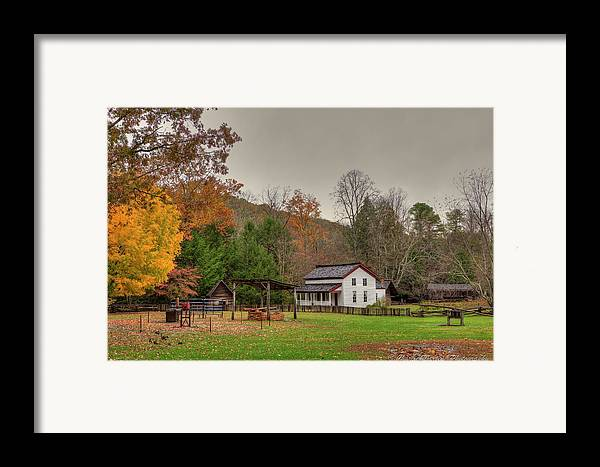 2010 Framed Print featuring the photograph Cable Mill House by Charles Warren