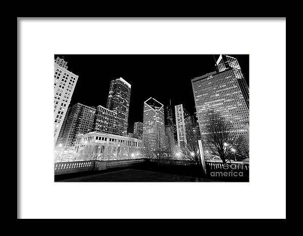 America Framed Print featuring the photograph Chicago Downtown At Night by Paul Velgos