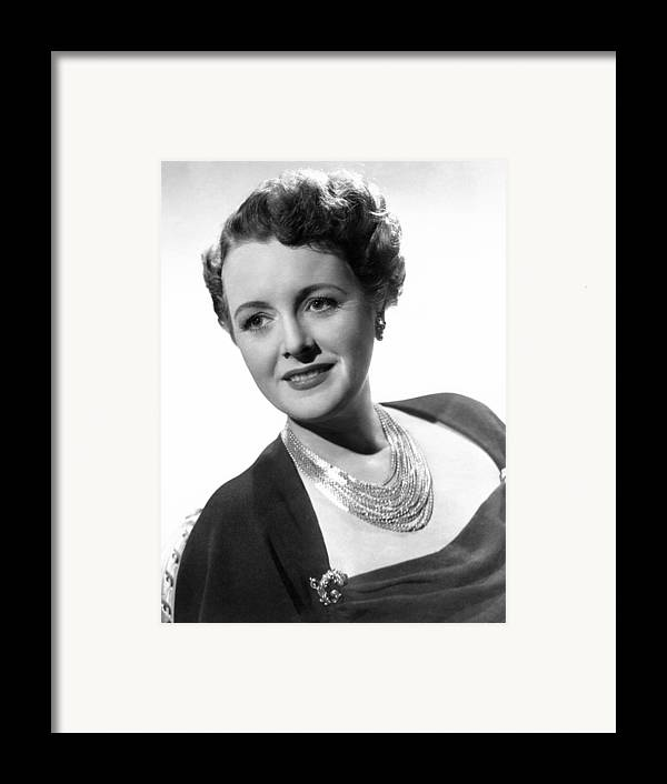 1940s Portraits Framed Print featuring the photograph Claudia And David, Mary Astor, 1946 by Everett