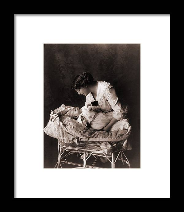 History Framed Print featuring the photograph Ethel Barrymore 1879-1959, Leaning by Everett