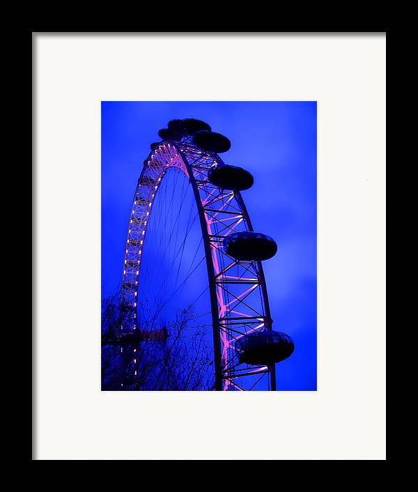 Eye Framed Print featuring the photograph Eye Of London by Roberto Alamino