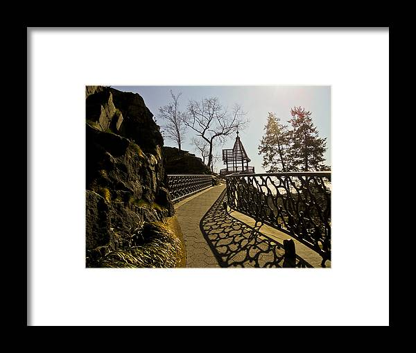 Philadelphia Framed Print featuring the digital art Finding My Way Home by Kathleen Foy