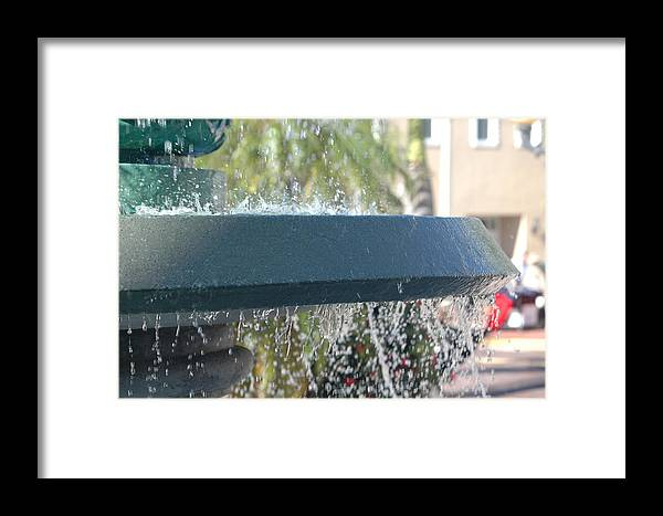 Fountain Framed Print featuring the photograph Fountain 2 by Susie Carr