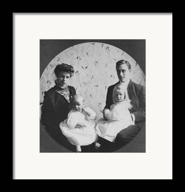 History Framed Print featuring the photograph Franklin D. Roosevelt And Young Wife by Everett