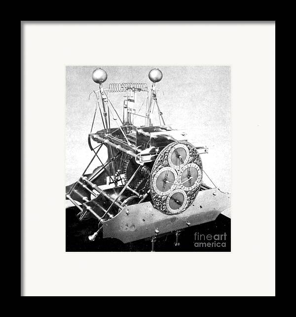 History Framed Print featuring the photograph Harrisons First Marine Timekeeper by Photo Researchers