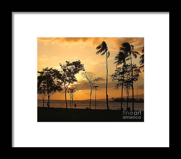 Hawaii Framed Print featuring the photograph Hawaiian Sunset by Louise Peardon
