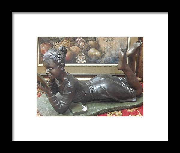 Sculpture Framed Print featuring the photograph I Love To Read by Tina M Wenger