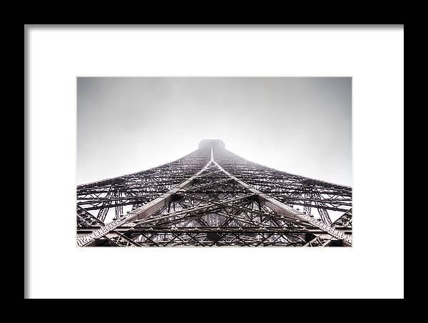 1889 Framed Print featuring the photograph La Tour Eiffel by Wittaya Uengsuwanpanich