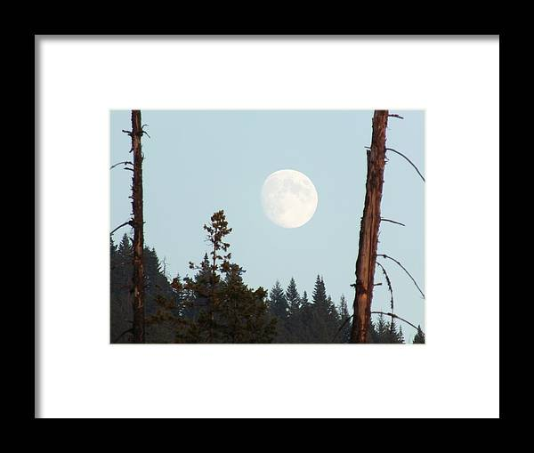 Idaho. Landscape. September. Harvest Moon. Framed Print featuring the photograph Look There by Debbi Saccomanno Chan