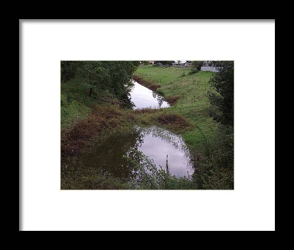 Water Framed Print featuring the photograph Low River by Rani De Leeuw