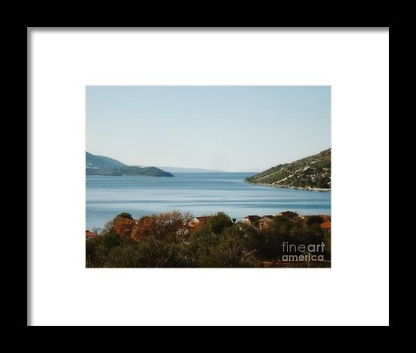 Linda De La Rosa Framed Print featuring the photograph Meditate by De La Rosa Concert Photography