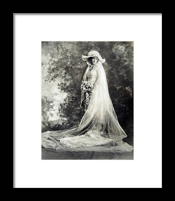 1920 Framed Print featuring the photograph New York: Bride, 1920 by Granger