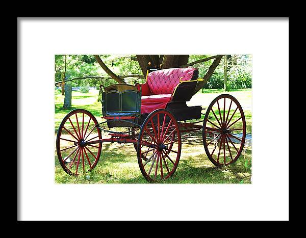 Old Coach Framed Print featuring the photograph Old Coach In Effingham by Lisa DiFruscio