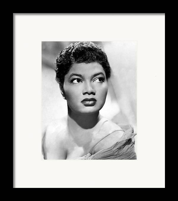 1950s Portraits Framed Print featuring the photograph Pearl Bailey, Portrait Ca. 1952 by Everett