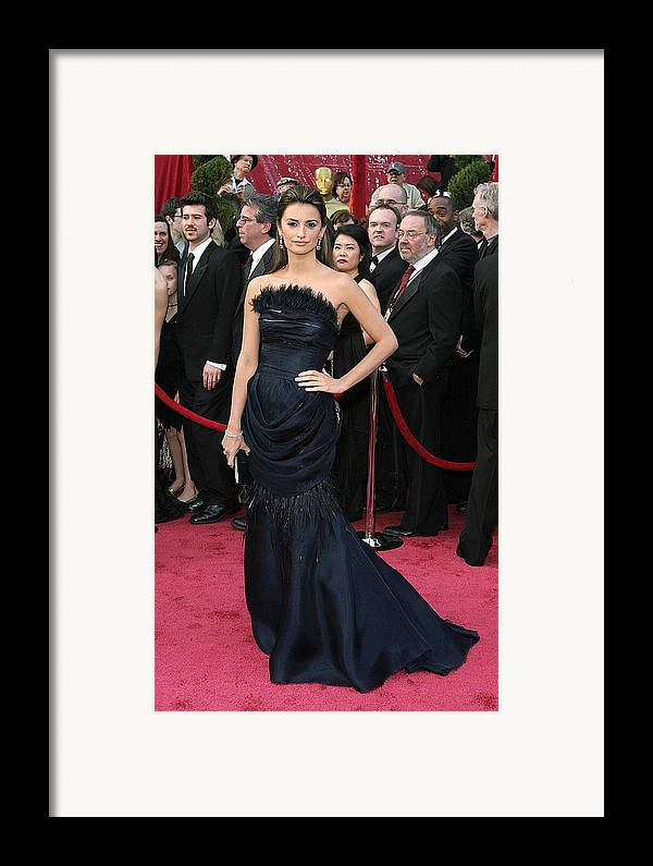 Academy Awards Framed Print featuring the photograph Penelope Cruz Wearing A Chanel Haute by Everett