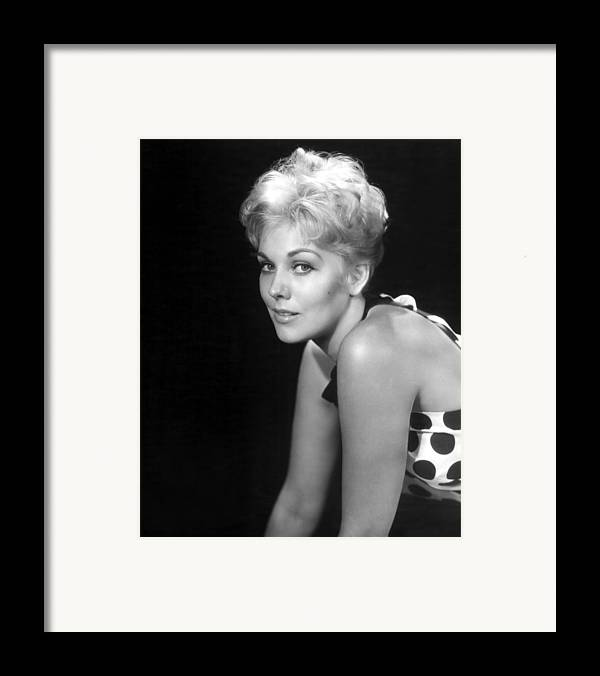 1950s Movies Framed Print featuring the photograph Picnic, Kim Novak, 1955 by Everett