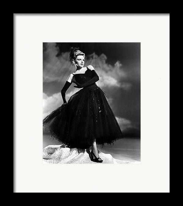 1940s Movies Framed Print featuring the photograph Presenting Lily Mars, Judy Garland, 1943 by Everett