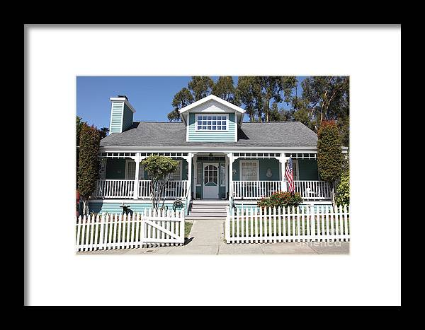 House Framed Print featuring the photograph Quaint House Architecture - Benicia California - 5d18817 by Wingsdomain Art and Photography
