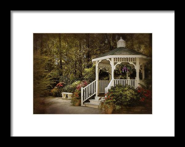Garden Framed Print featuring the photograph Romantic Garden by Cheryl Davis