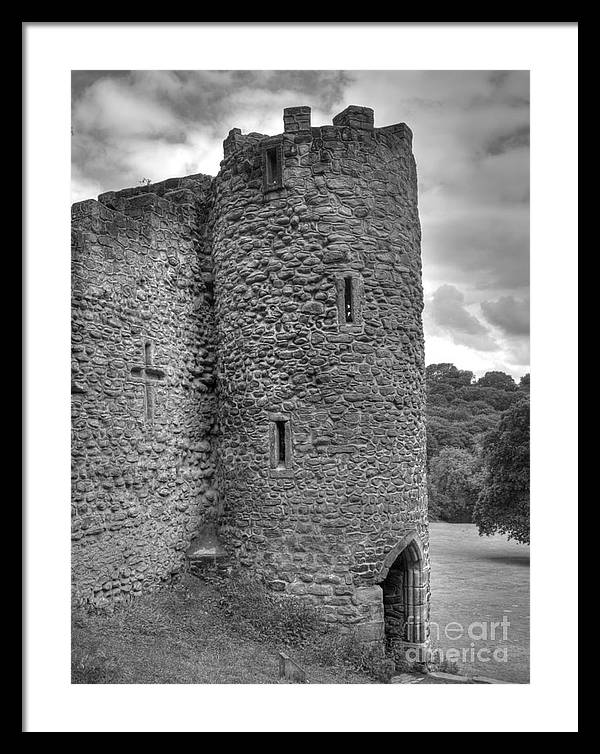 Folly Framed Print featuring the photograph Roundhay folly by Steev Stamford
