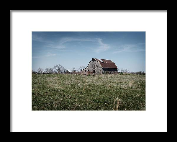 Barn Framed Print featuring the photograph Rural Arkansas by Joel McAfee