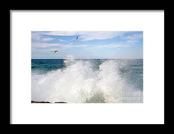 Photography Framed Print featuring the photograph S P L A S H by Kaye Menner