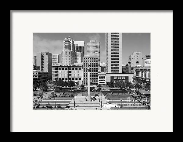 Black And White Framed Print featuring the photograph San Francisco - Union Square - 5d17938 - Black And White by Wingsdomain Art and Photography