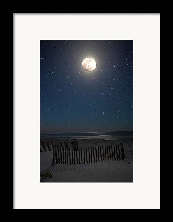 Moon Framed Print featuring the photograph Seaside Moonset by Charles Warren