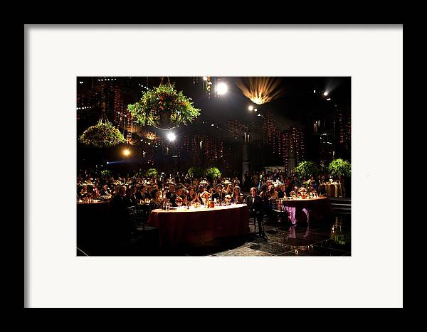 History Framed Print featuring the photograph State Dinner In Honor Of President by Everett