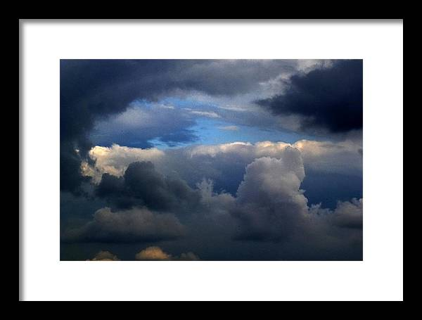 Sky Framed Print featuring the photograph Storm Brewing by Frank Blakely